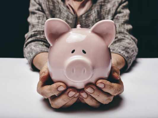 Pożyczki bez bik Strzelin  wyślij sms o treści: WNIOSEK na 7393 (3.69 zł za sms)